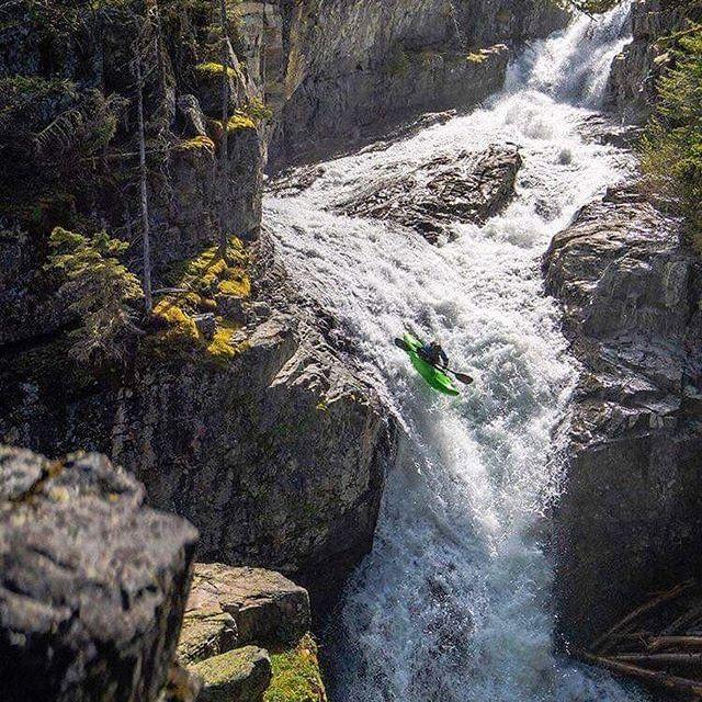@james__shimizu at Big Timber Falls in Montana 📸 @eparkerphoto_ #inwaterwelive . . . . . . #hiko #hikoteam #weareoutthere #whitewaterkayaking #bigtimberfalls #montana #kayaking #waterfalls