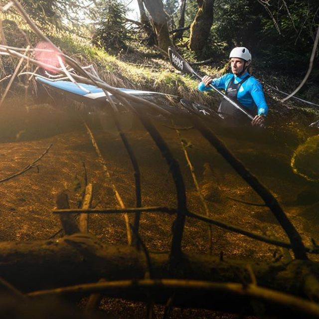 Jirka Vasina is on a search for PVC free courses 📸 @oujeskyl #inwaterwelive #backbetweenrocks . . . . #naturalcourses #canoeslalom #icfcanoe #planetcanoe