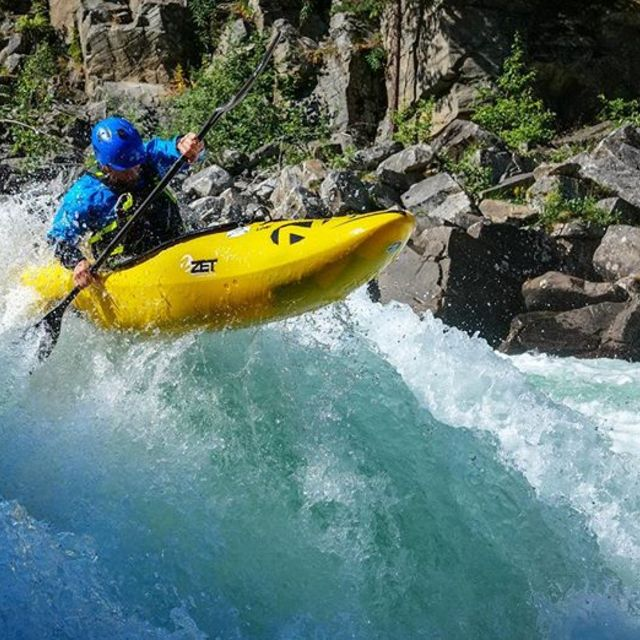 @honza_choutka touring Europe is at Vefsna Elvefestival this weekend. Come to say hi to him to the Hiko booth✌️ . . . . . . . . . . #inwaterwelive #weareoutthere #norway #whitewater #kayaking