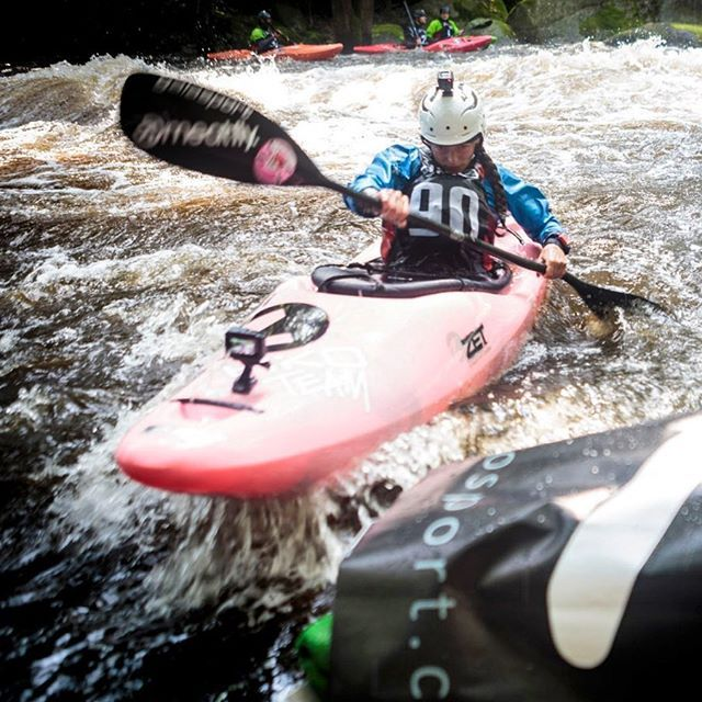 Overall women's champ of the @devilsextremerace Paja Zasterova👏🎉 . . . . . #inwaterwelive #weareoutthere #whitewaterkayaking #whitewaterracing #winningdoesntgetold