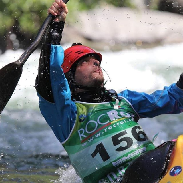 The fact that you don't always get what you trained so hard for just shows how competitive this sport is. Congrats to the winners of the 2019 ICF Canoe Freestyle World Championships and to the rest - try thinking about the fact you just spent the whole week paddling with your friends😉 . . . . . #inwaterwelive #weareoutthere #hiko #hikoteam #kayakfreestyle #worldchamps #kayaking #icfcanoe #planetcanoe