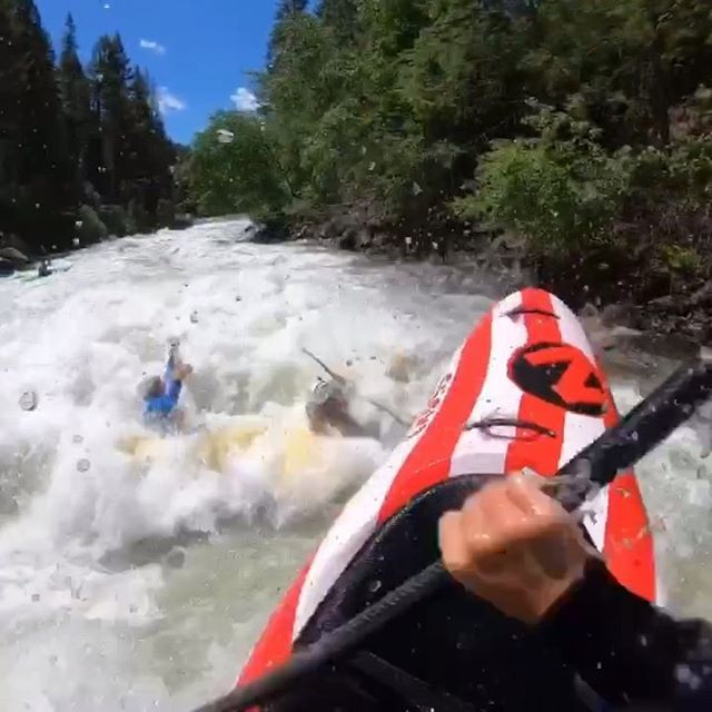 Party hole!!! 🤪🤩🥳🕳 . . . . . . #inwaterwelive #weareoutthere #whitewaterkayaking #northforkpayette #partywavesfordays